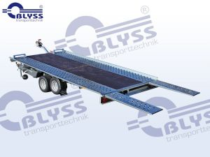 Bodenplatte mittig geschlossen mit Multiplexholz ( Lieferzeit auf Anfrage)
