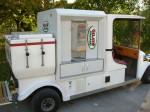 Elektroauto mit Kaffeeautomat