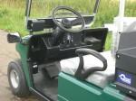 Melex Typ 845: Fahrerraum mit Handschuhfach.