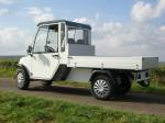 Melex TYP N.CAR 392 mit Ladepritsche, Innenmaß: 125 x 169 cm, Nutzlast 1250 kg, 3-seitig abklappbar.