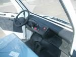 Melex Typ 967 Armaturenbrett in der Fahrerkabine.